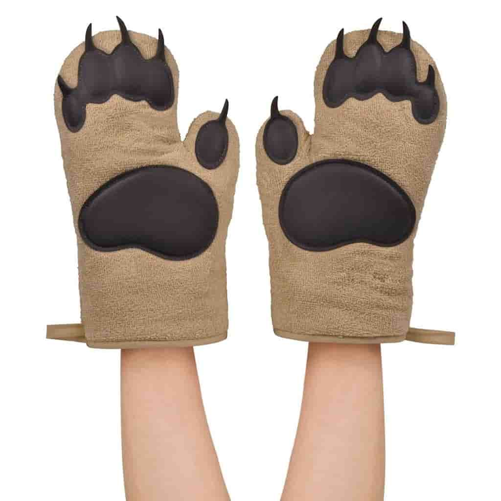 Bear paws oven mitts.